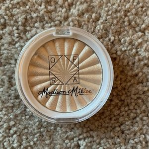 Ofra x Madison Miller Moondance Highlight